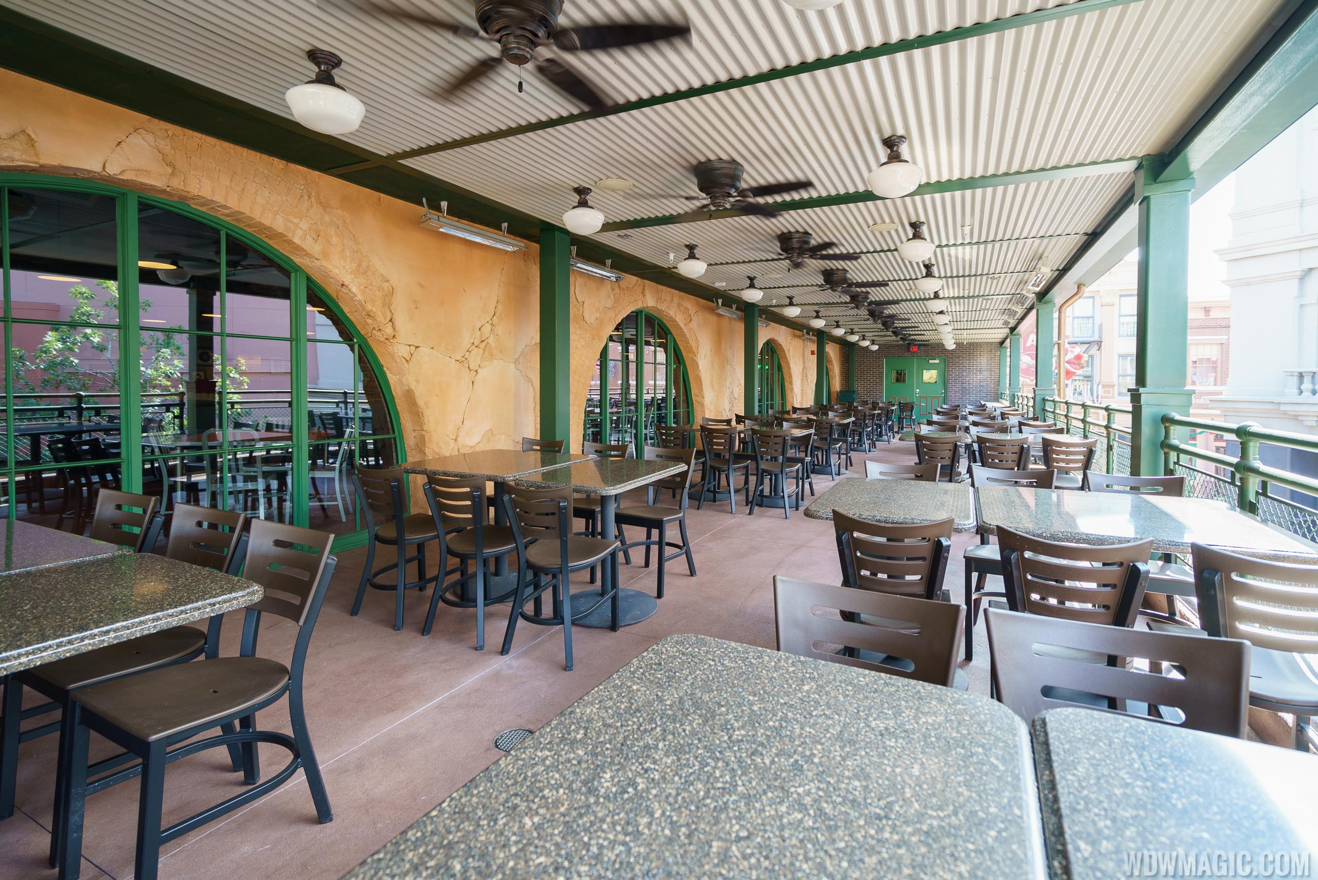 Inside PizzeRizzo - Second level outdoor balcony dining