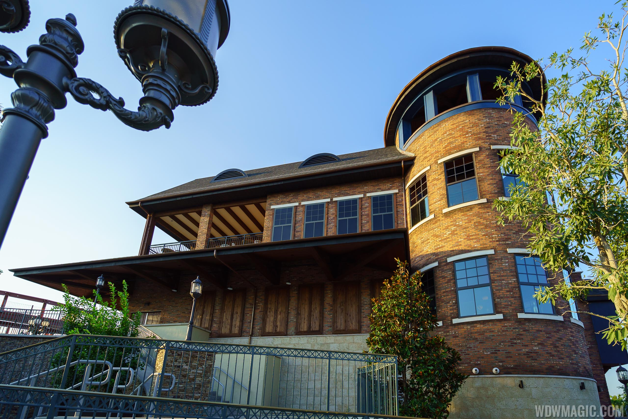 STK Orlando - Side view of exterior