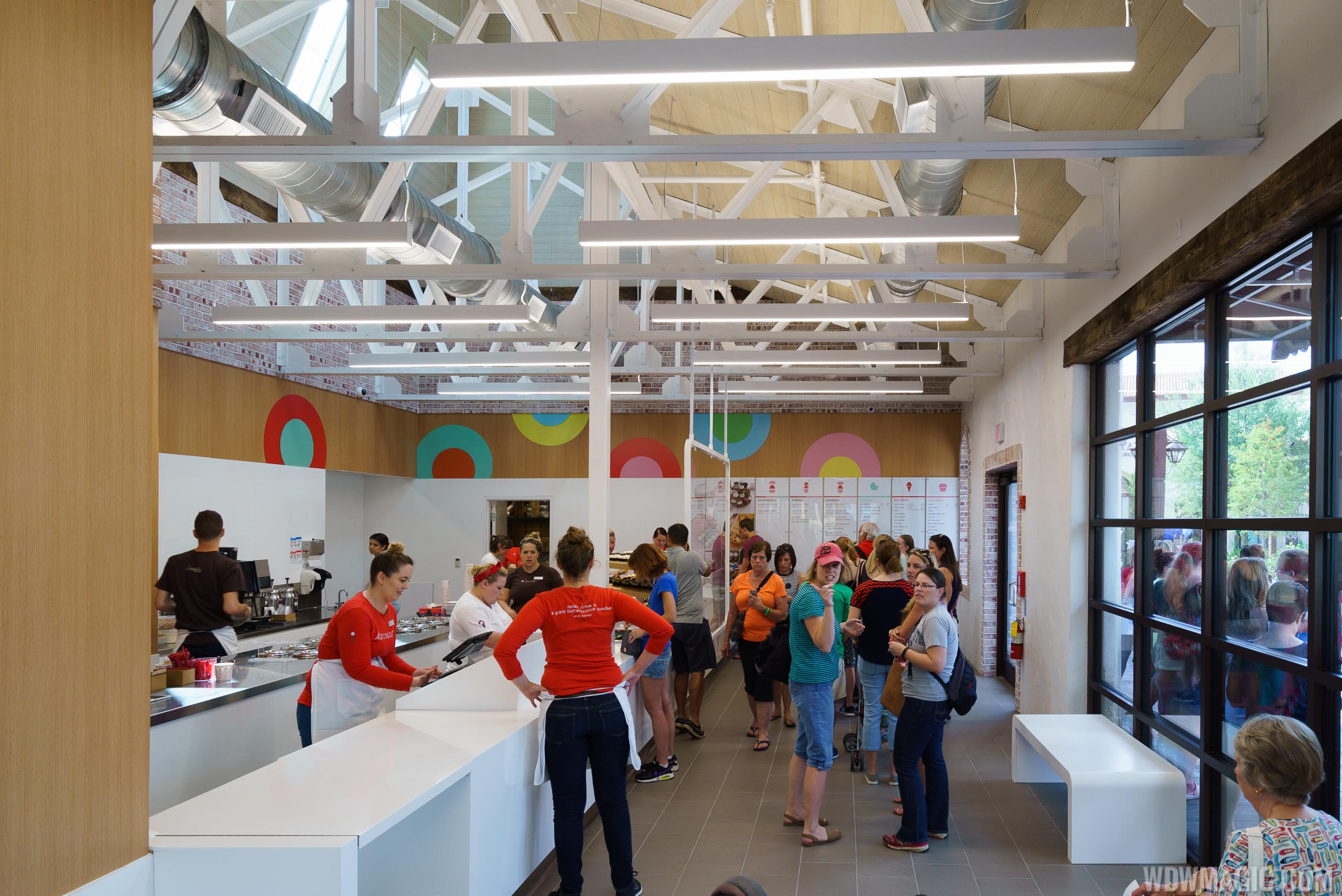 Overview of the interior space at Sprinkles Disney Springs