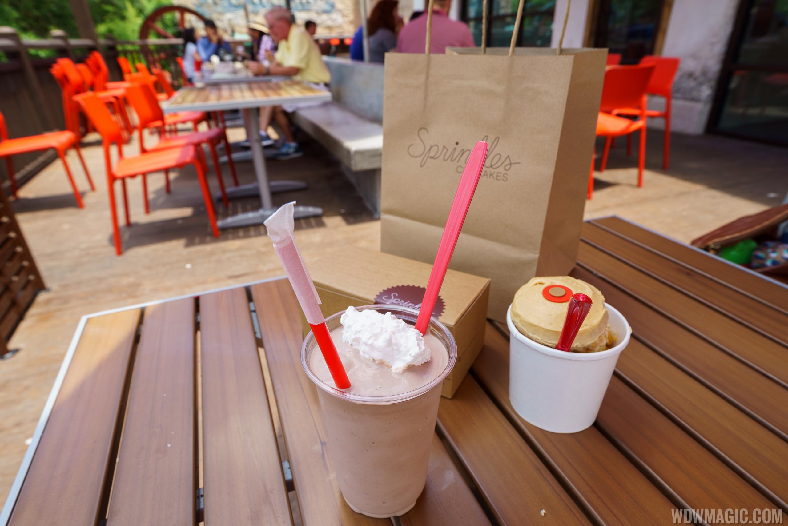 Sprinkles cupcakes, shakes and sundaes at Disney Springs