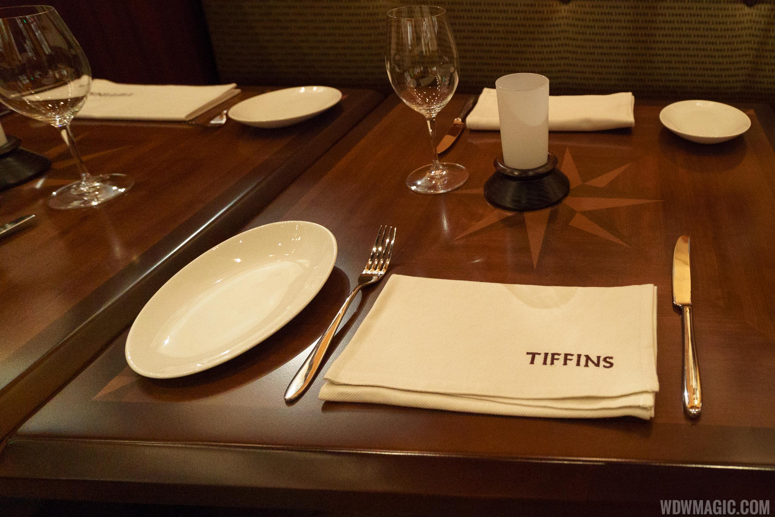 Tiffins - Grand Gallery table