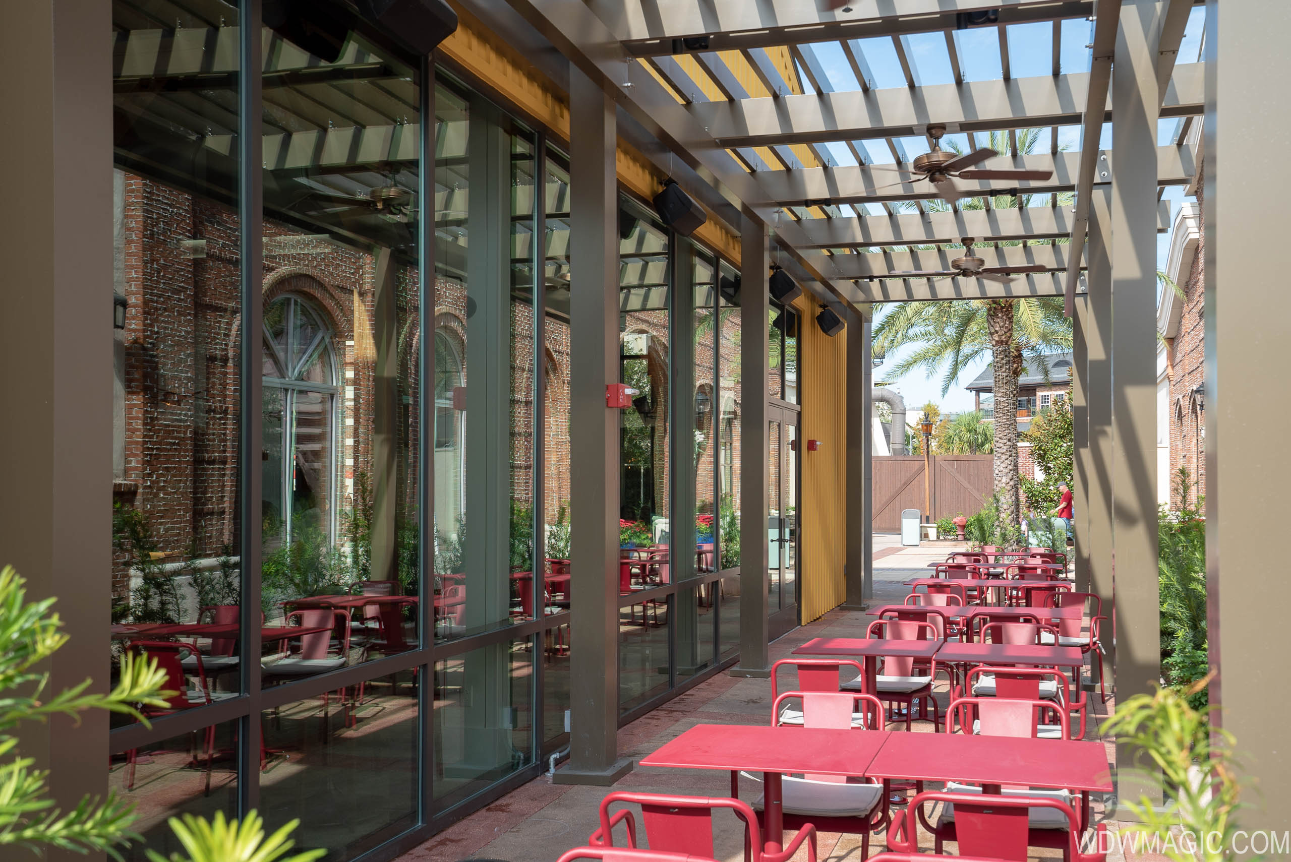 Wolfgang Puck Bar and Grill outdoor patio seating