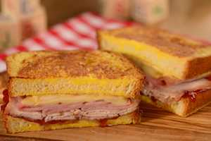 Woody's Lunch Box - Monte Cristo with Raspberry Jam $11.49