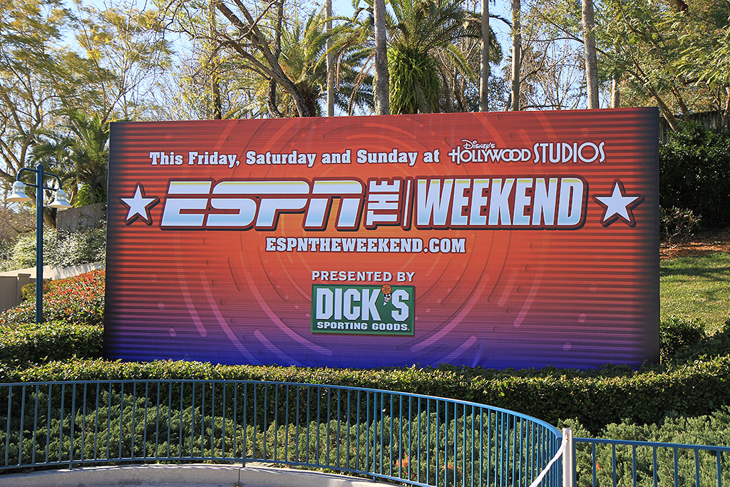 2010 ESPN The Weekend - Friday