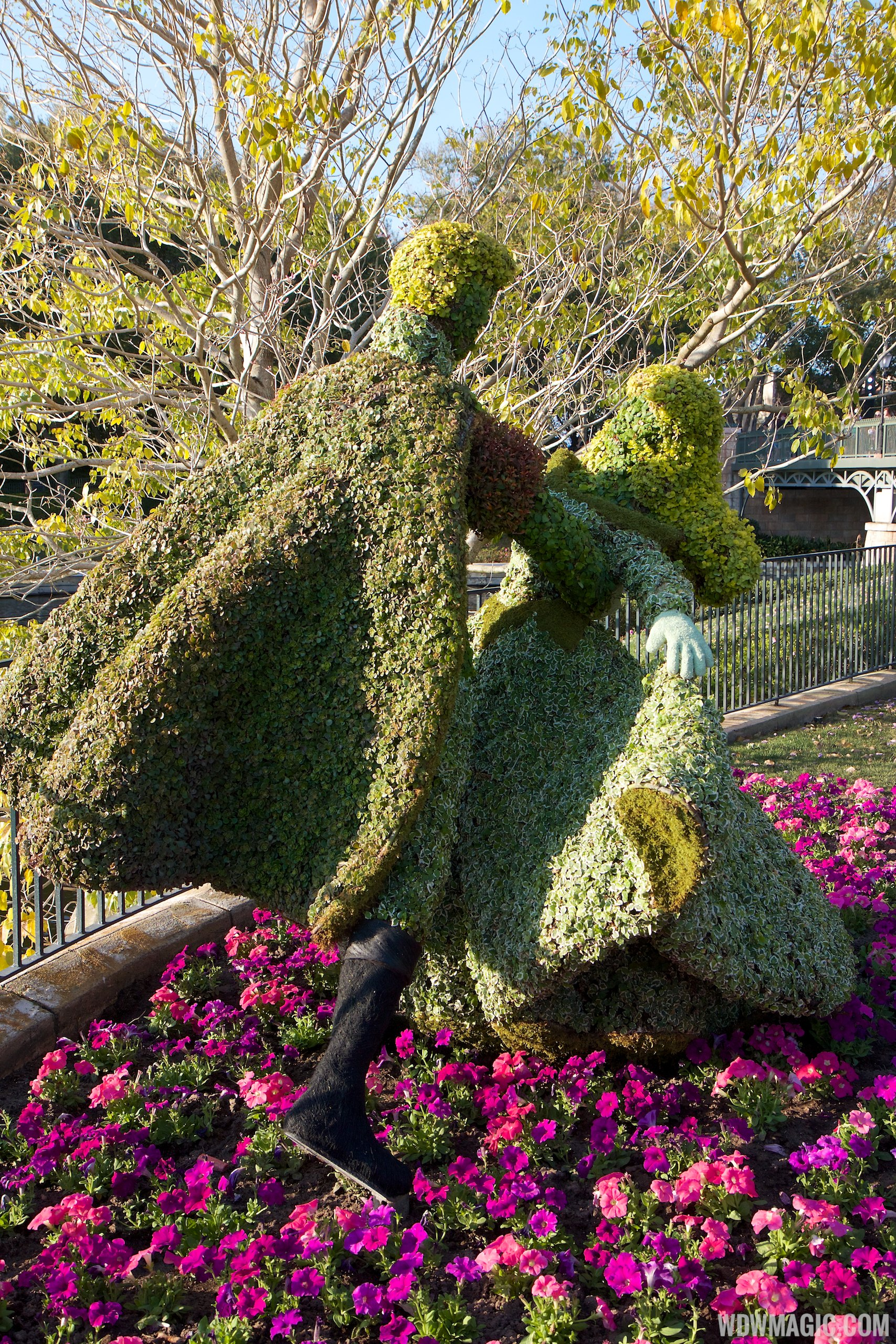 2014 Epcot Flower and Garden Festival topiary installation