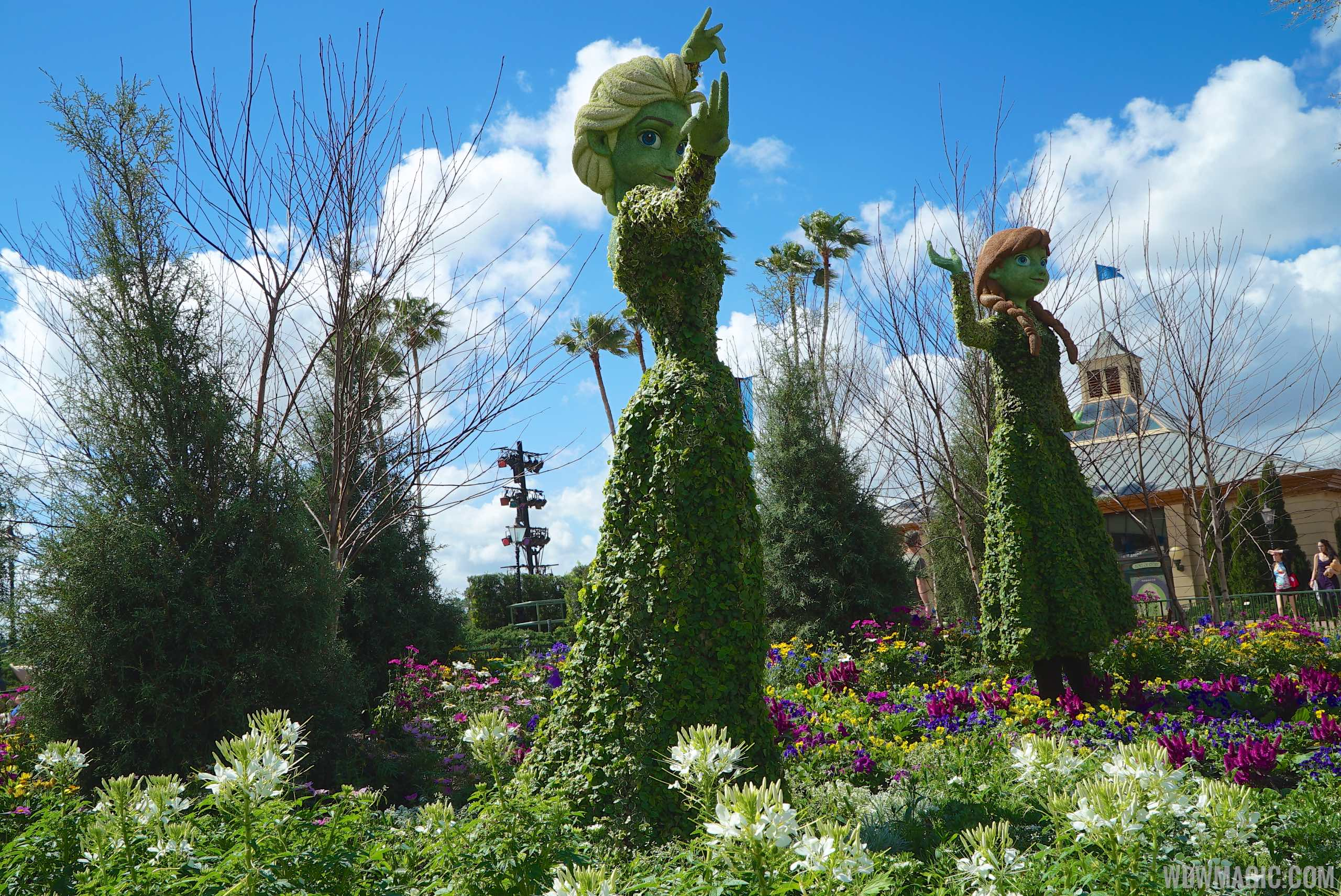 Anna and Elsa Topiary