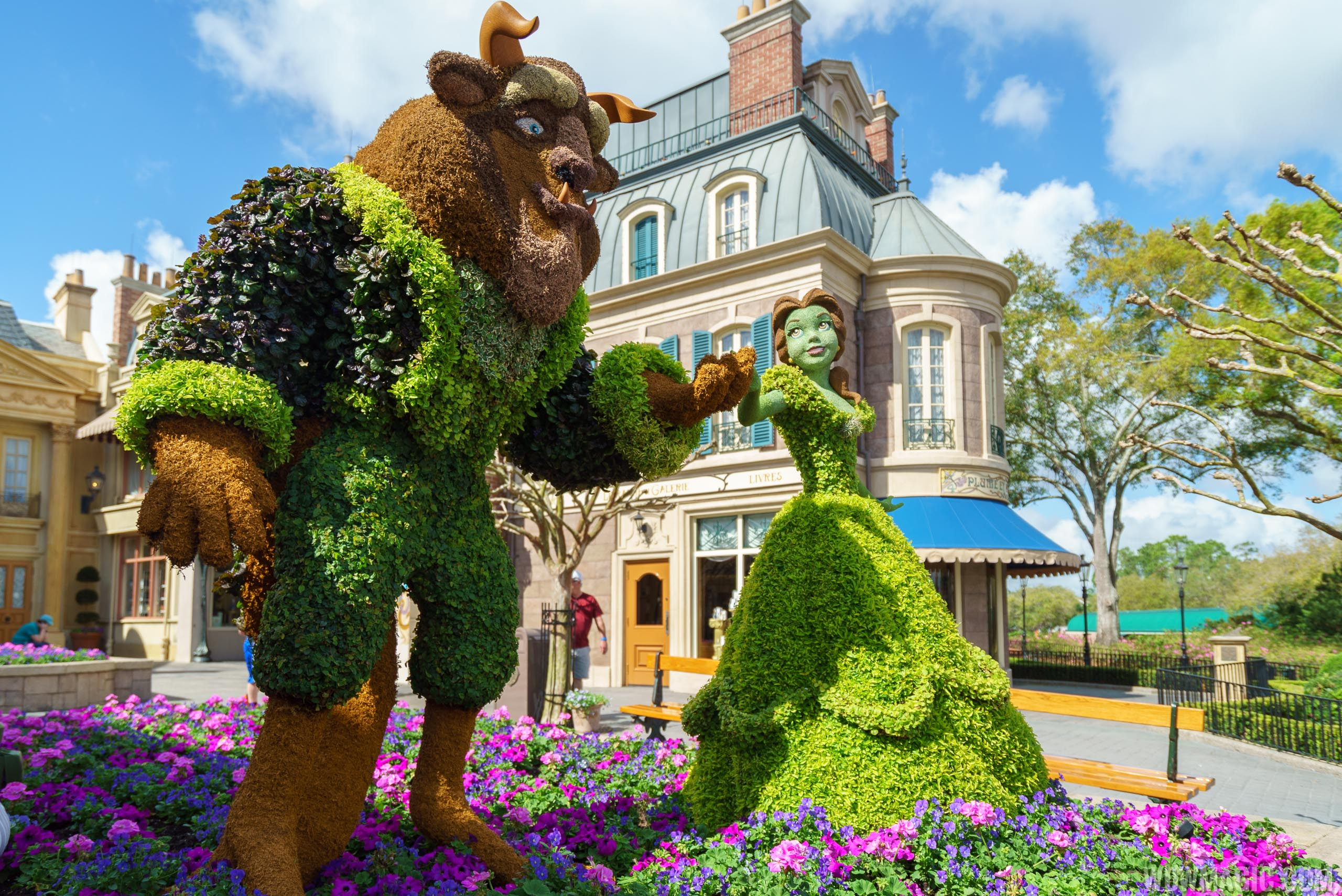 2017 Flower and Garden Festival - Belle and Beast topiaries at the France Pavilion