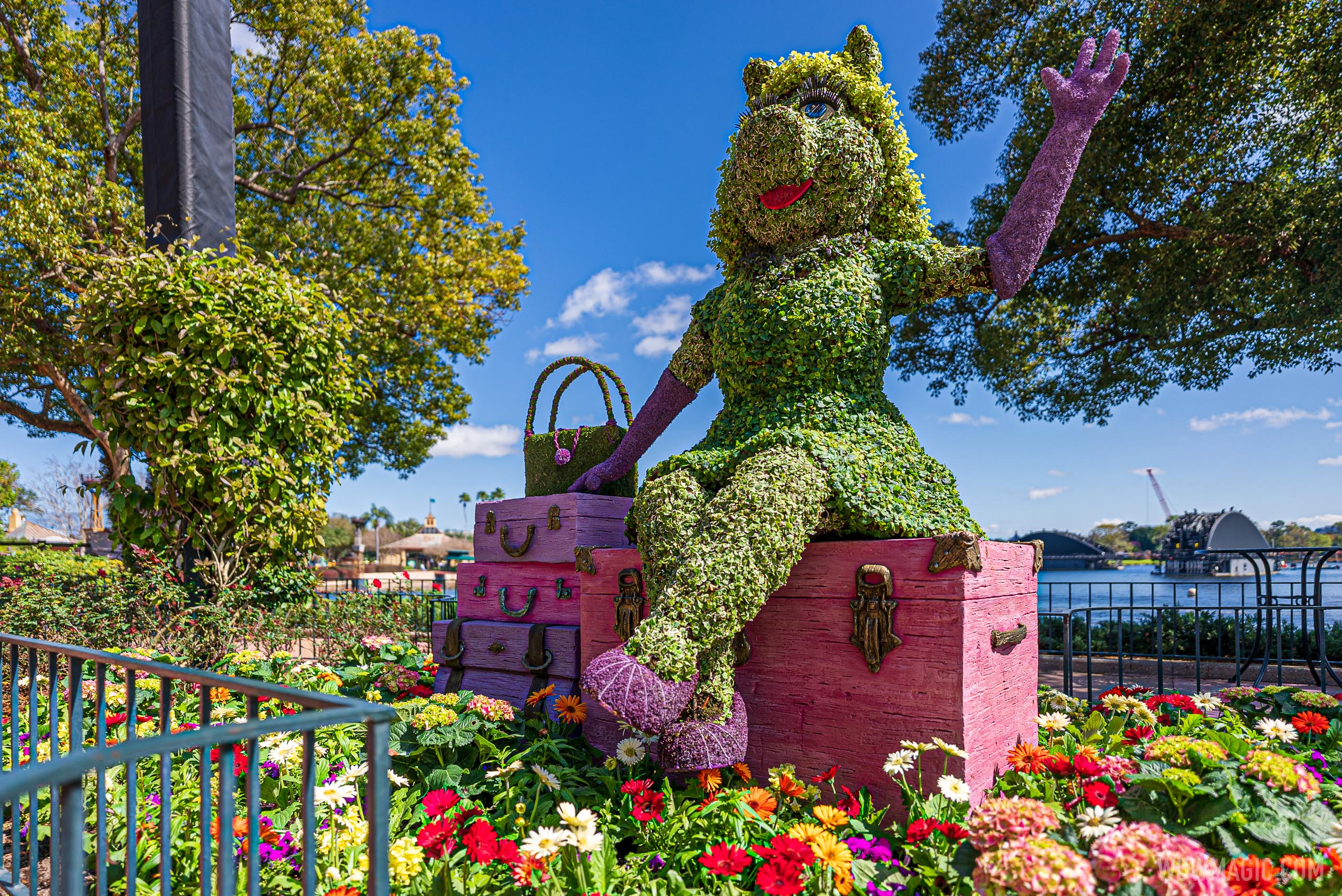 Miss Piggy – Between United Kingdom and Canada Pavilions