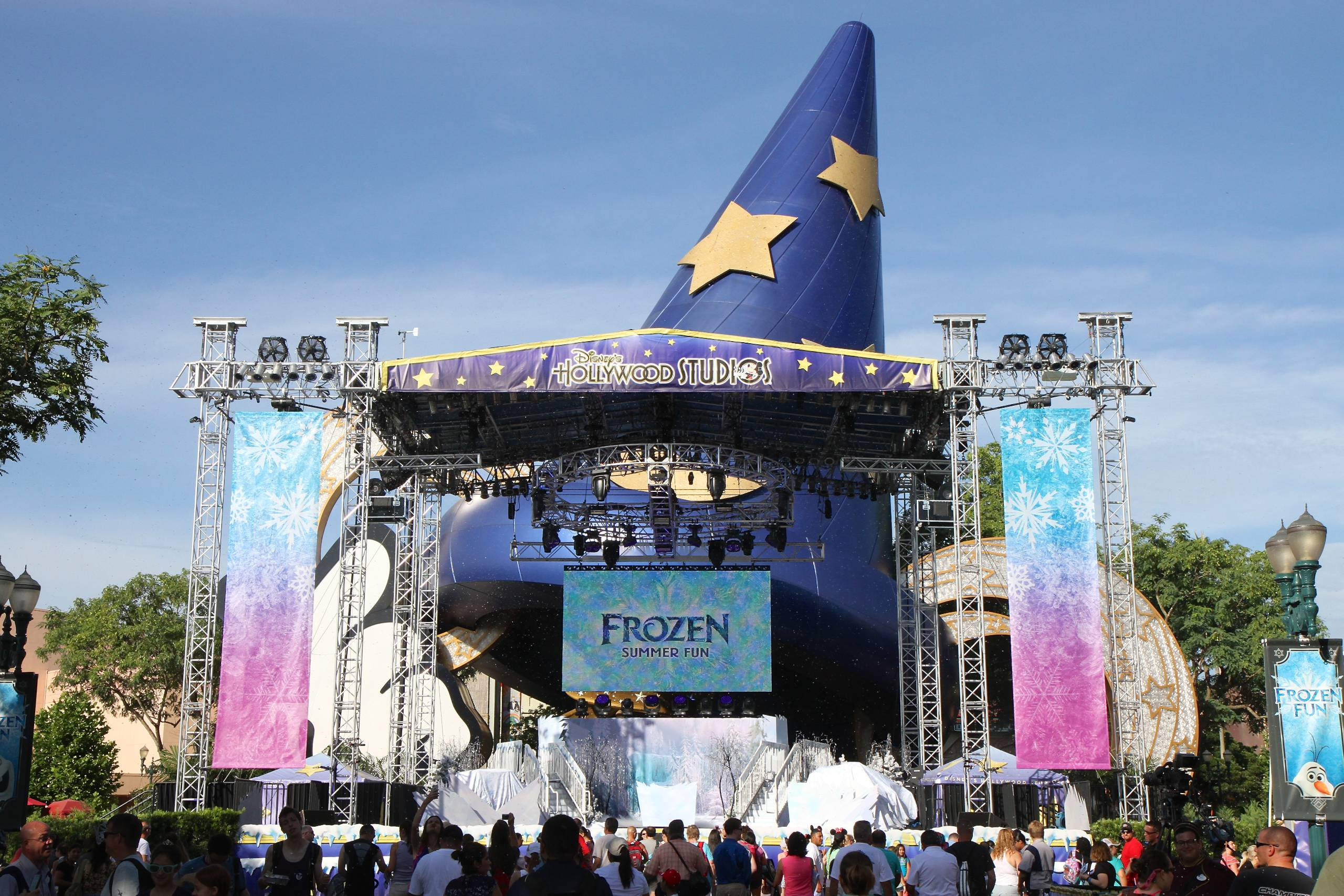 Frozen Summer Fun LIVE at Disney's Hollywood Studios opening day