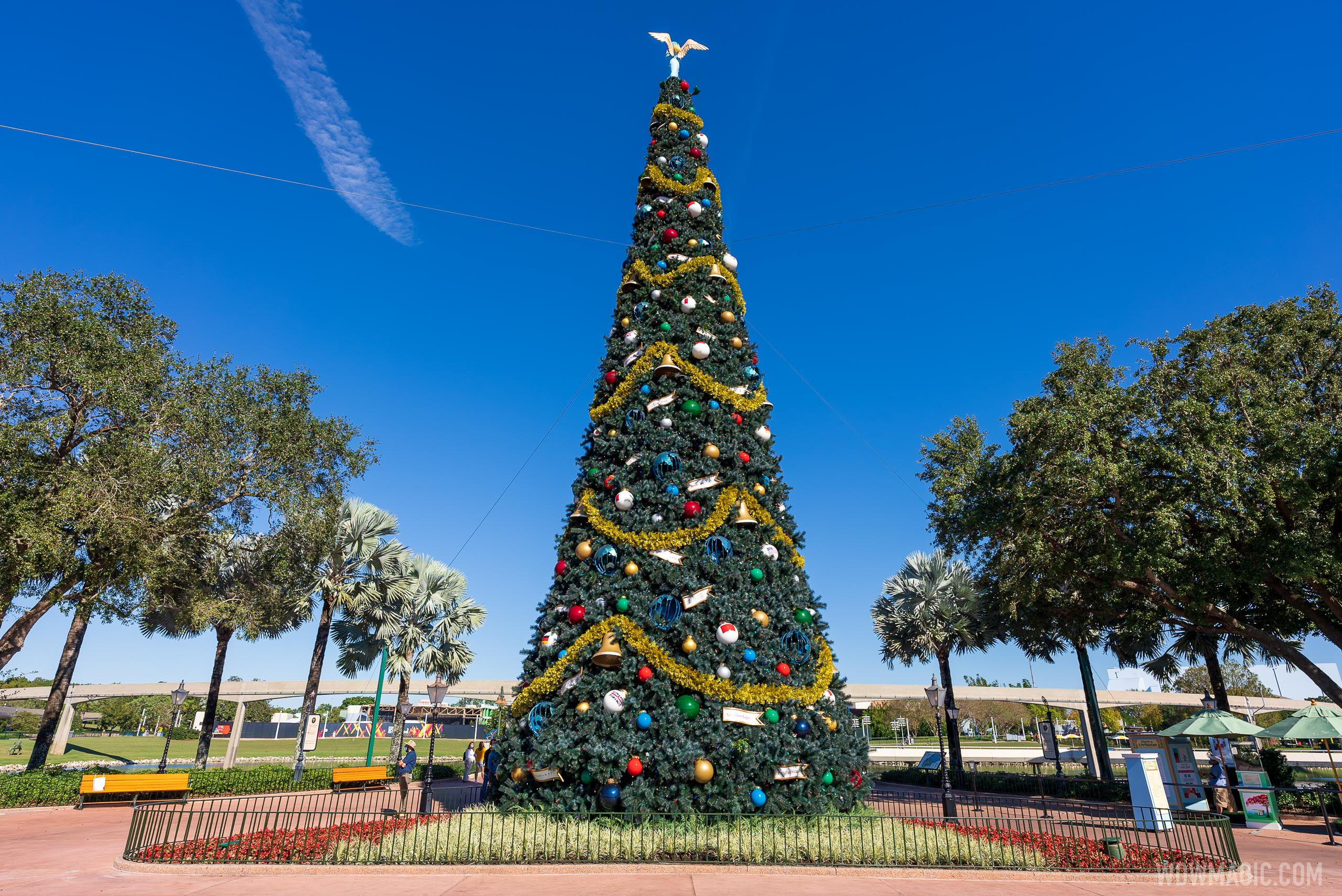 PHOTOS - Holiday decor now on display at EPCOT