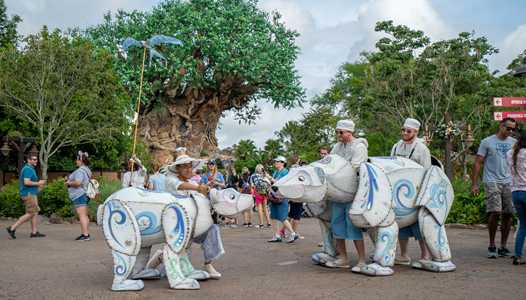 PHOTOS - Merry Menagerie welcomes guests to the holidays at Disney's Animal Kingdom