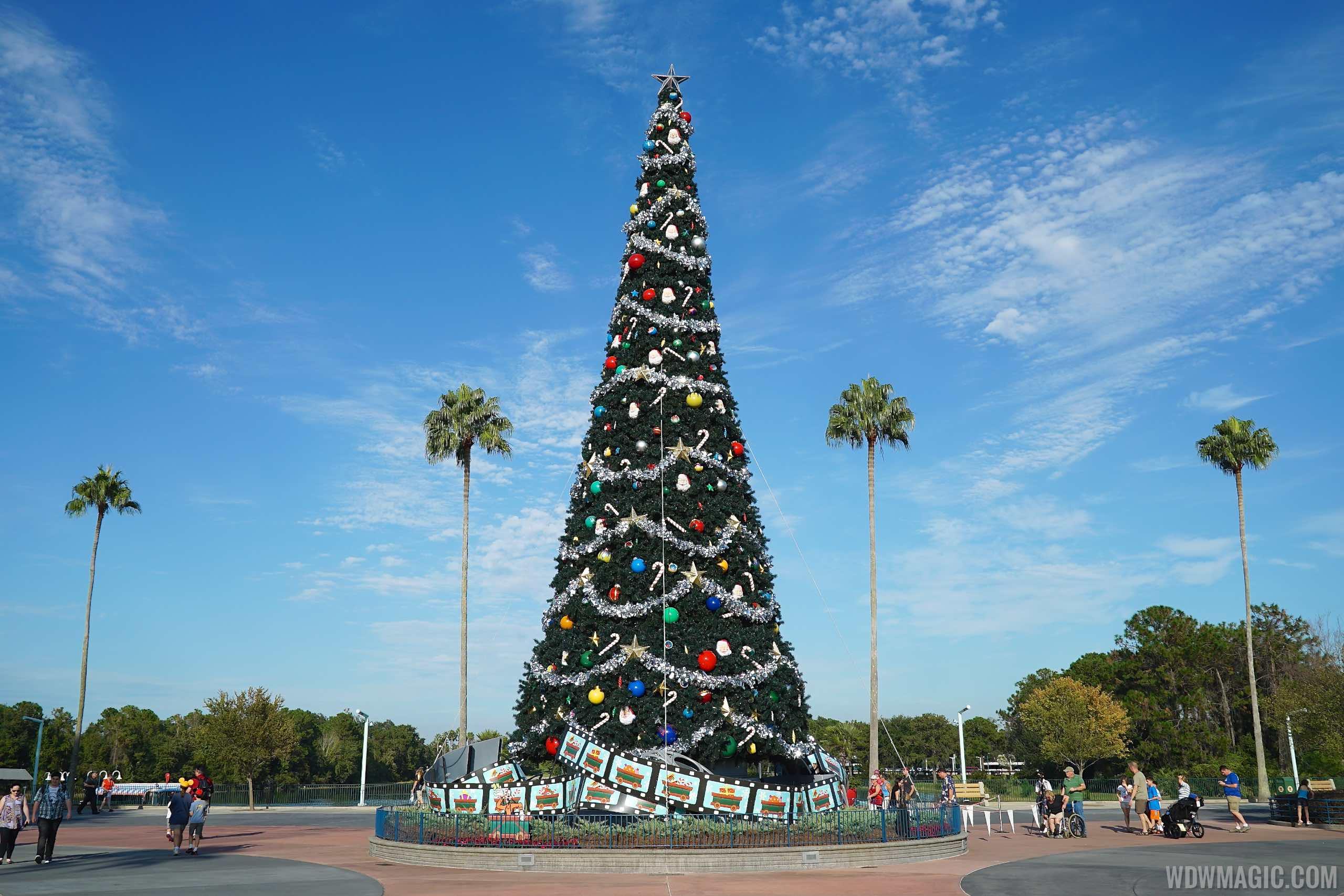 holidays at disneys hollywood studios overview - Disney Christmas 2015