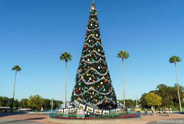 Disney's Hollywood Studios holiday decorations 2015