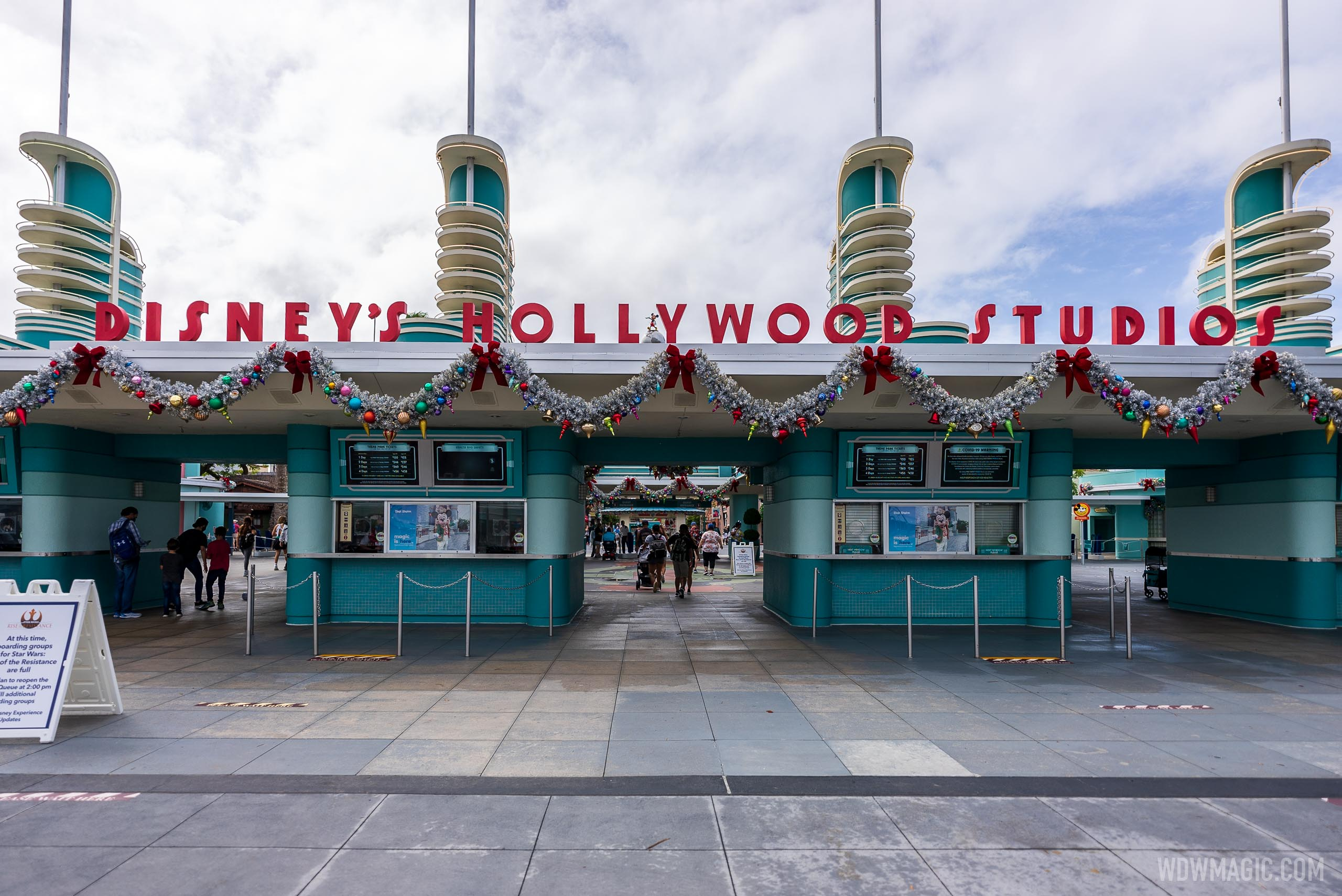 2020 Holiday Decorations at Disney's Hollywood Studios