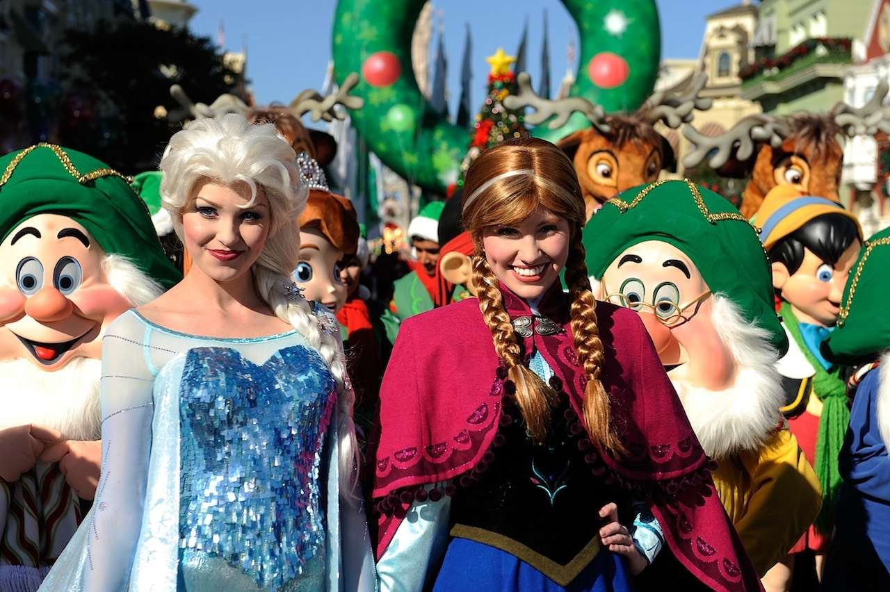 disney parks christmas day parade taping photo 5 of 6