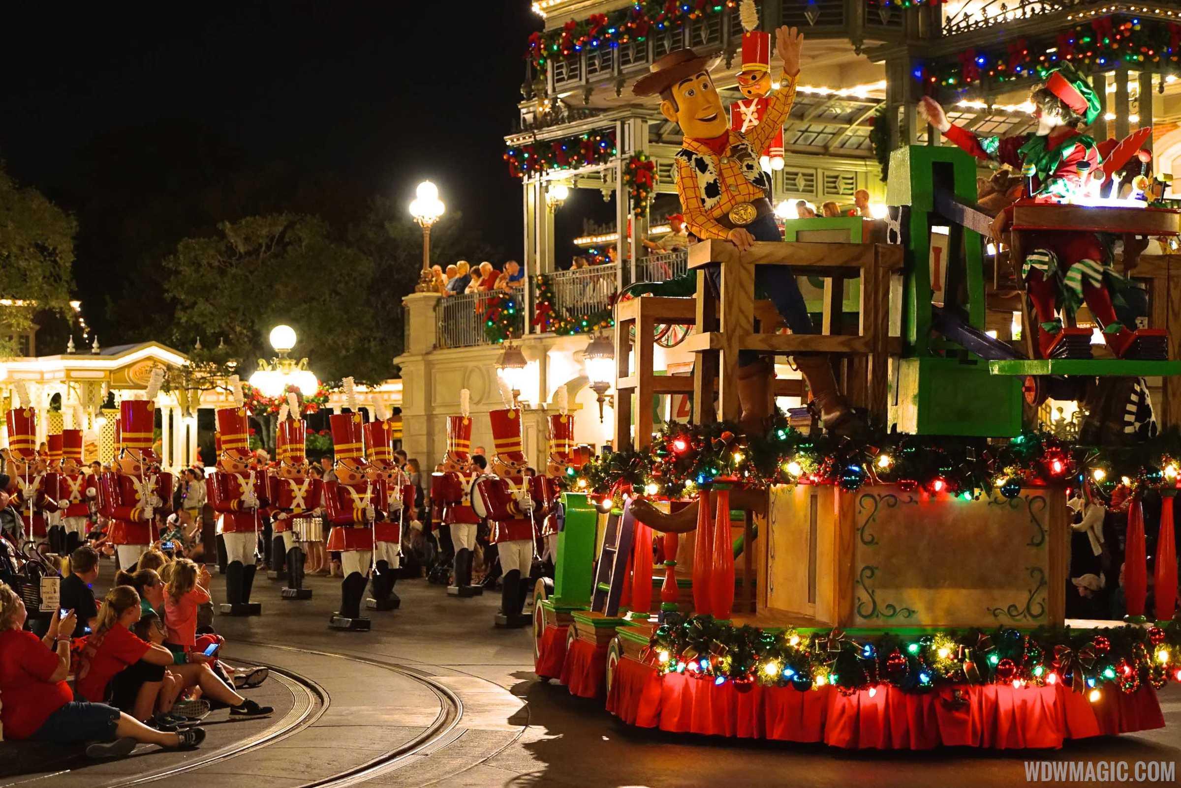 walt disney world christmas day parade 2004 - Disney Christmas Day Parade