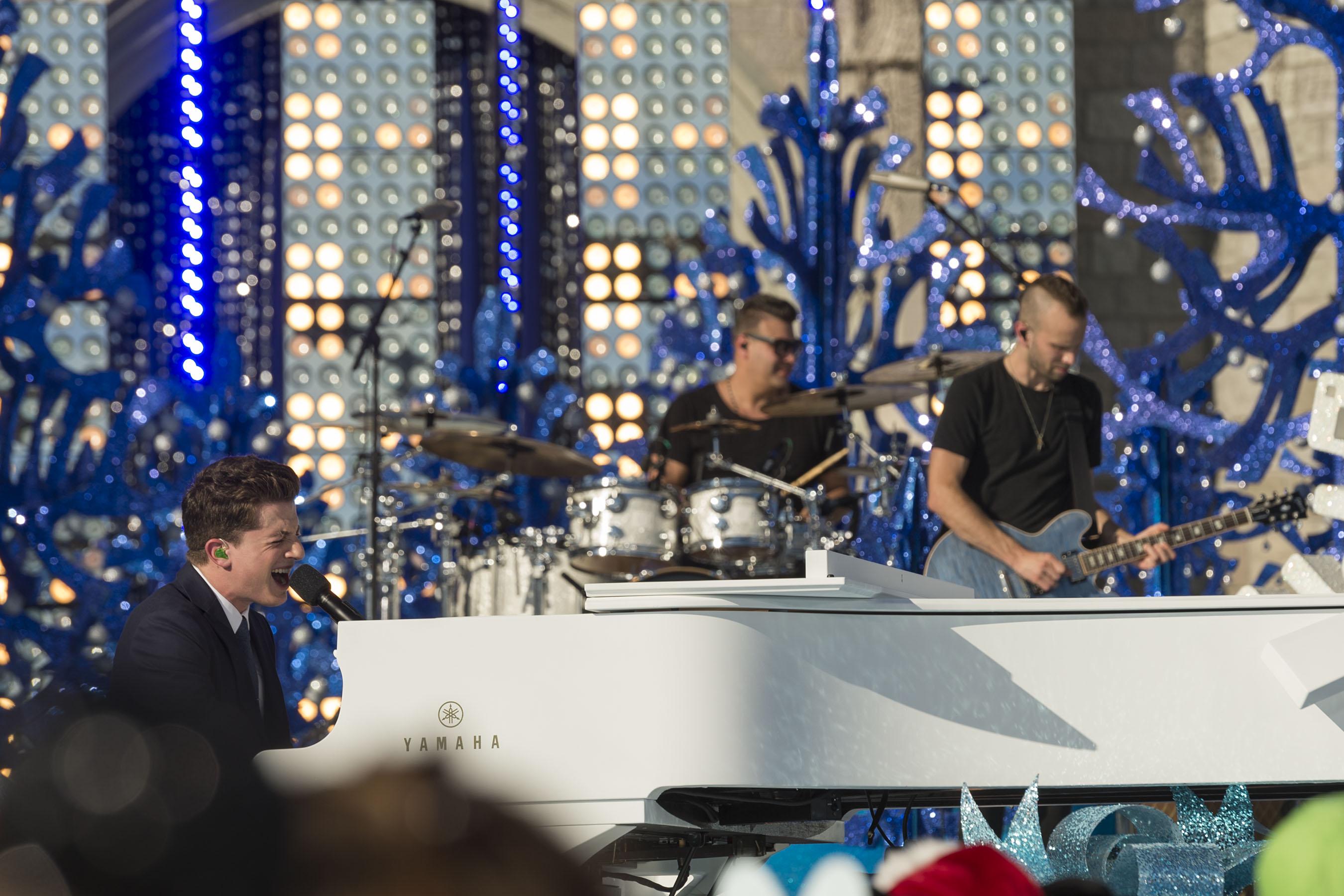 Disney Parks Unforgettable Christmas Celebration performance - Charlie Puth