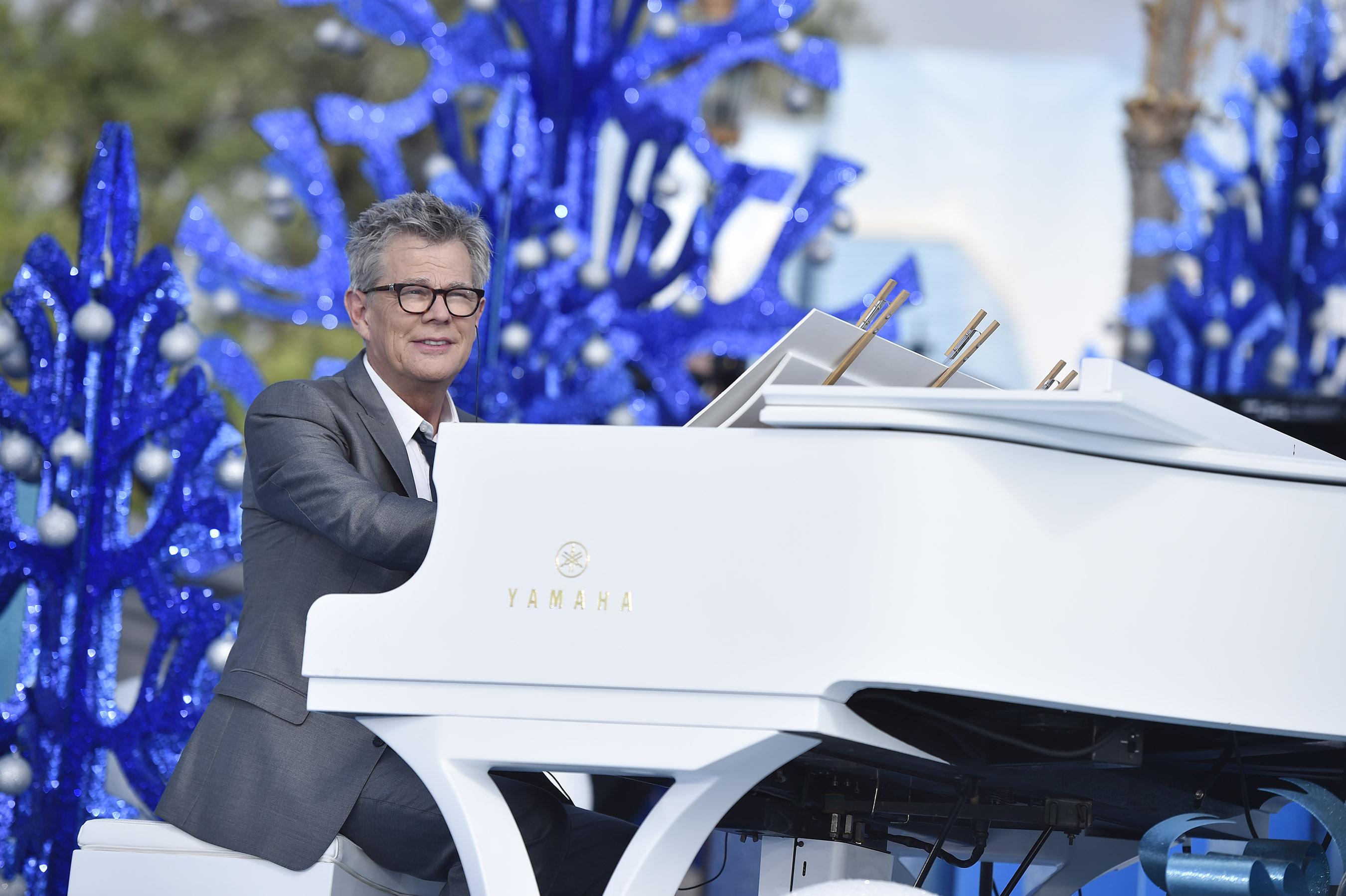 Disney Parks Unforgettable Christmas Celebration performance - David Foster