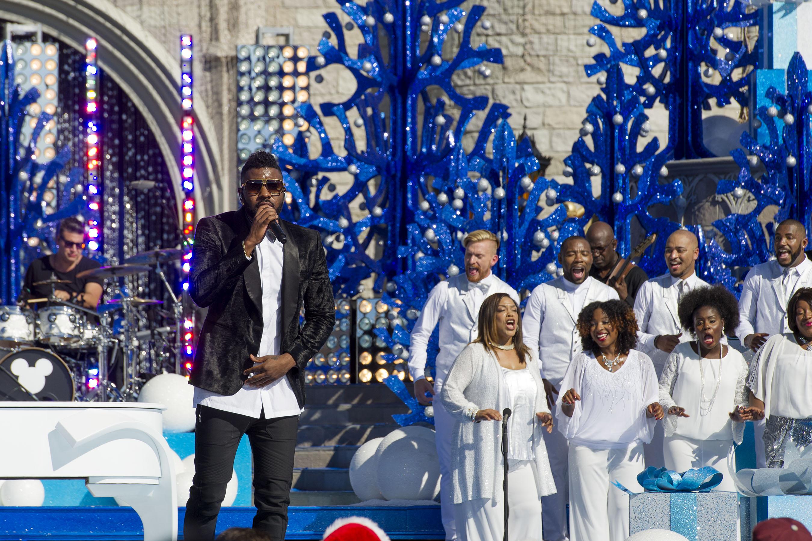 Disney Parks Unforgettable Christmas Celebration performance - Jason Derulo