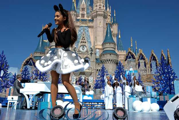 Disney Parks Unforgettable Christmas Celebration performances