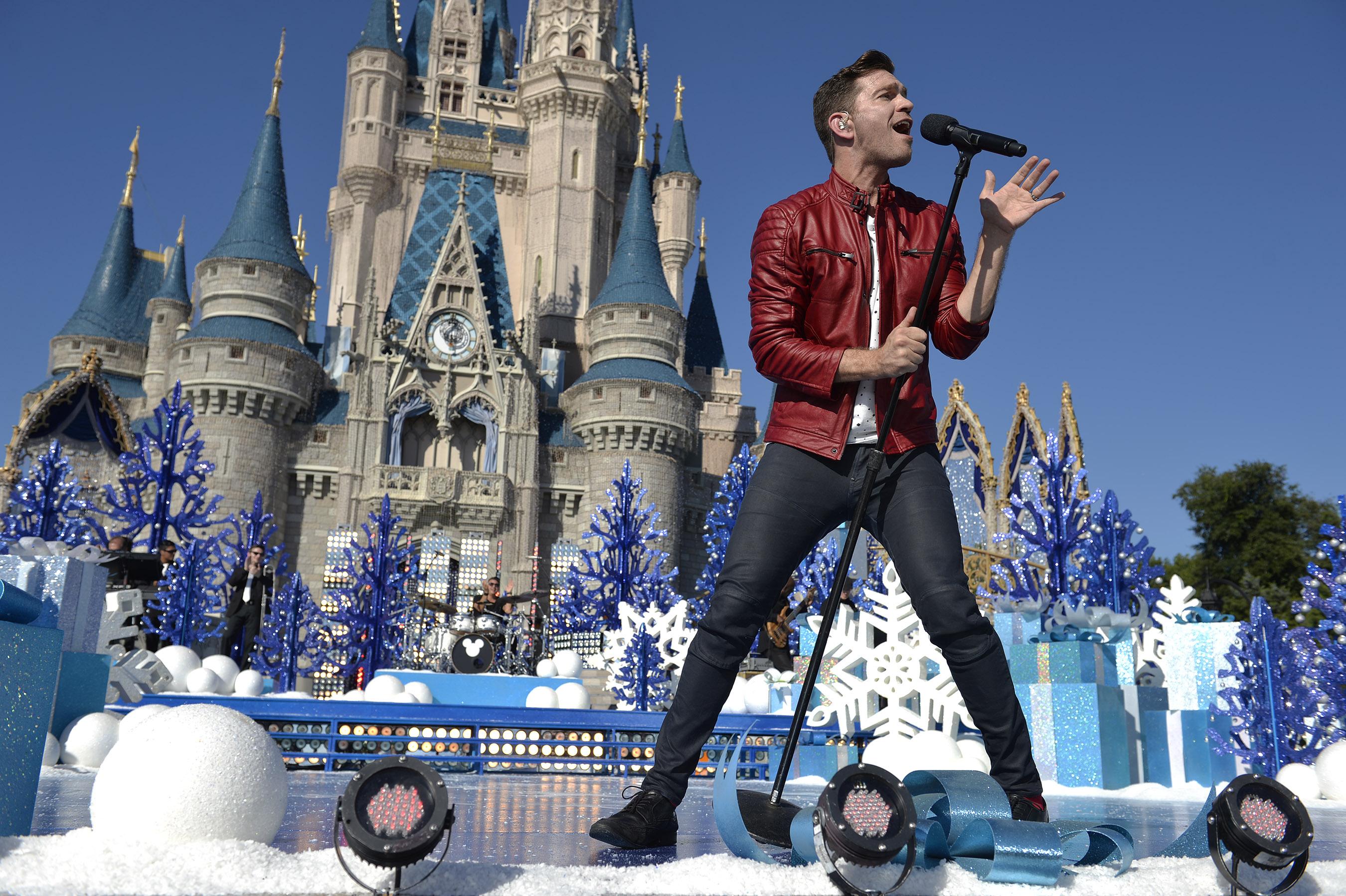 Disney Parks Unforgettable Christmas Celebration performance - Andy Grammer