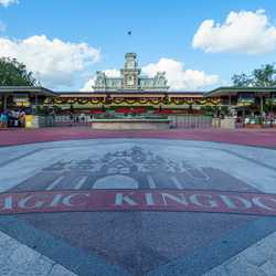 Christmas Holidays decorations at the Magic Kingdom 2017