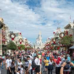 Christmas Holidays decorations at the Magic Kingdom 2018