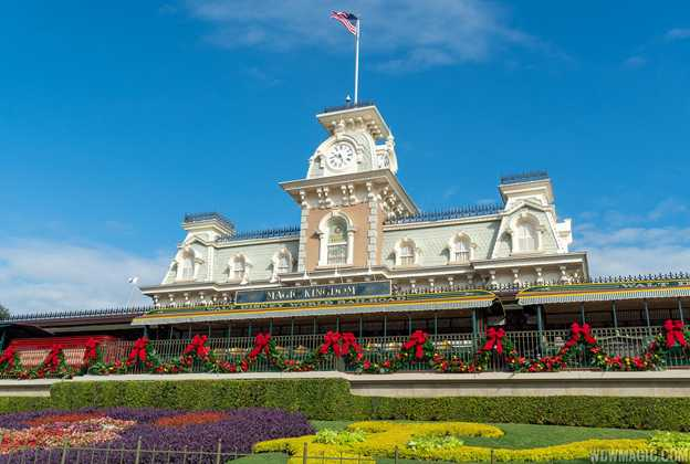 Christmas Holidays decorations at the Magic Kingdom 2019
