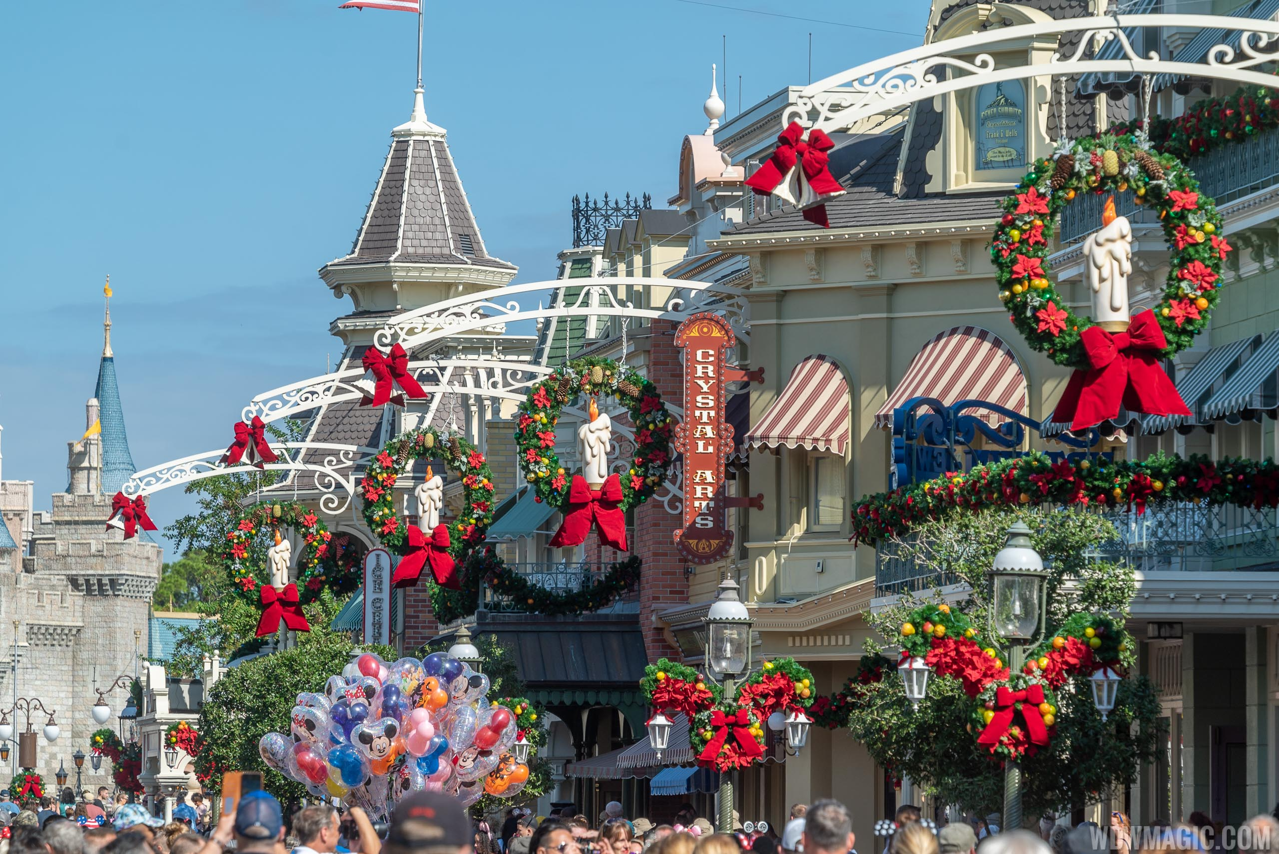 Christmas Holidays decorations at the Magic Kingdom 2019