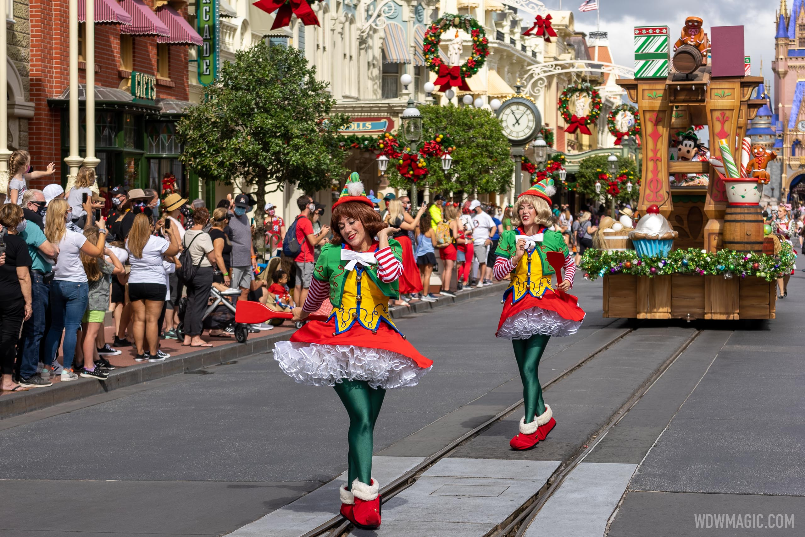 Holiday cavalcades and entertainment at the Magic Kingdom 2020