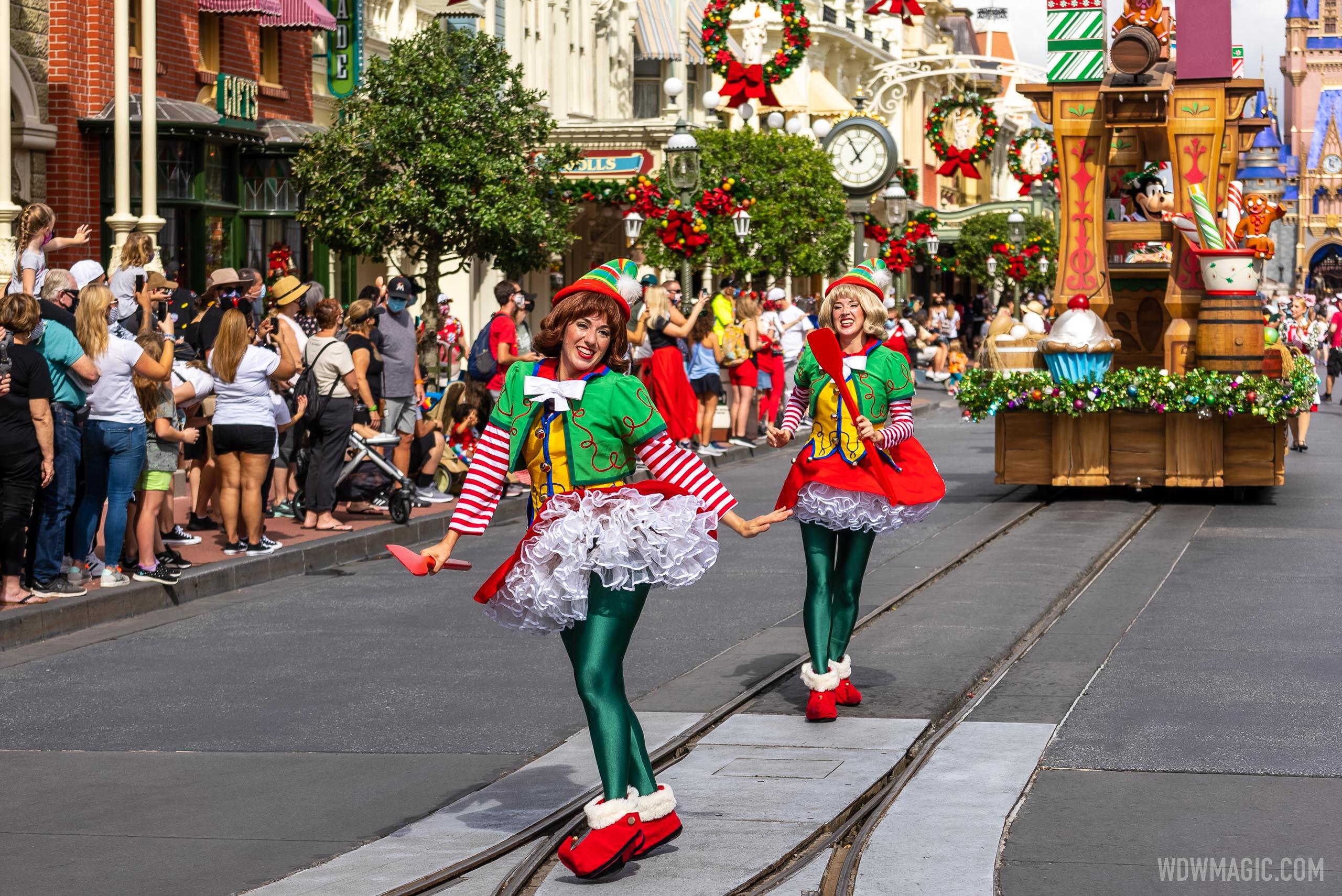 Holiday cavalcades and entertainment at the Magic Kingdom 2020