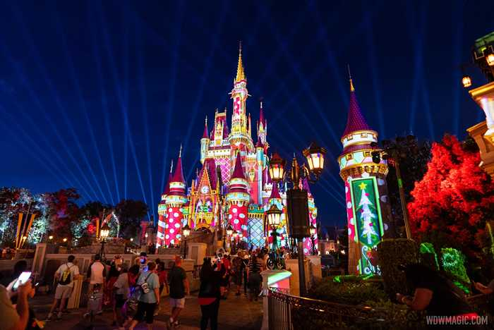 Cinderella Castle Christmas holiday projections 2020