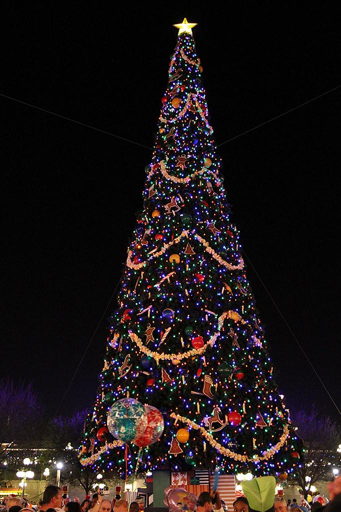 Holidays decorations and christmas tree at the Magic Kingdom 2009