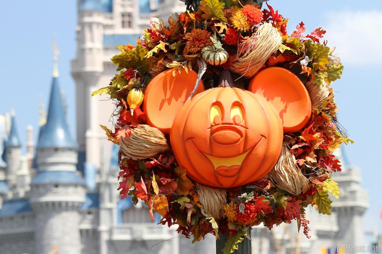 Magic Kingdom's 2013 Halloween decorations