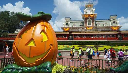 Character line-up for the 2018 Mickey's Not-So-Scary Halloween Party