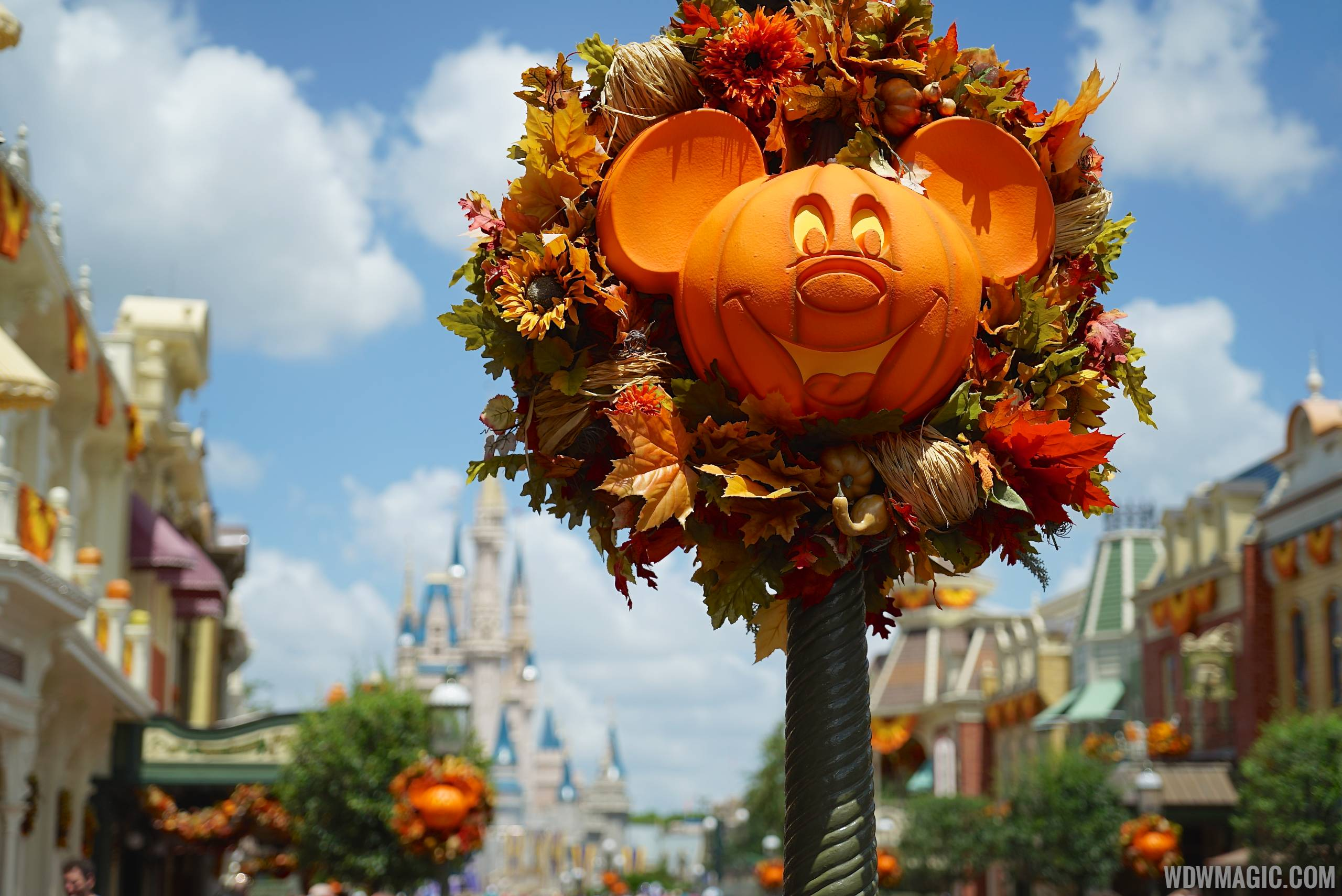 magic kingdoms fall halloween decorations 2014 photo 26 of 37
