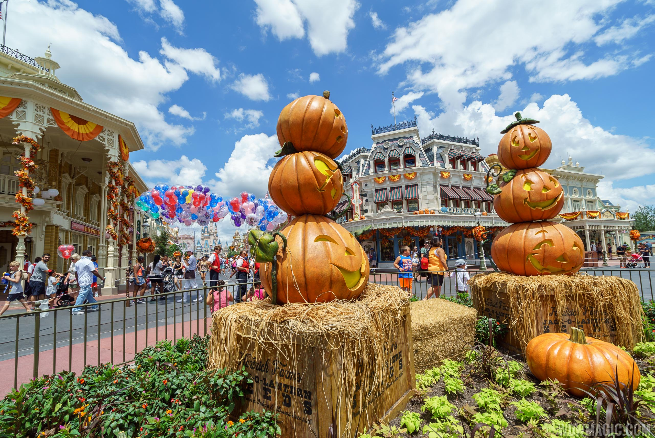 Magic Kingdom's fall Halloween decorations 2017