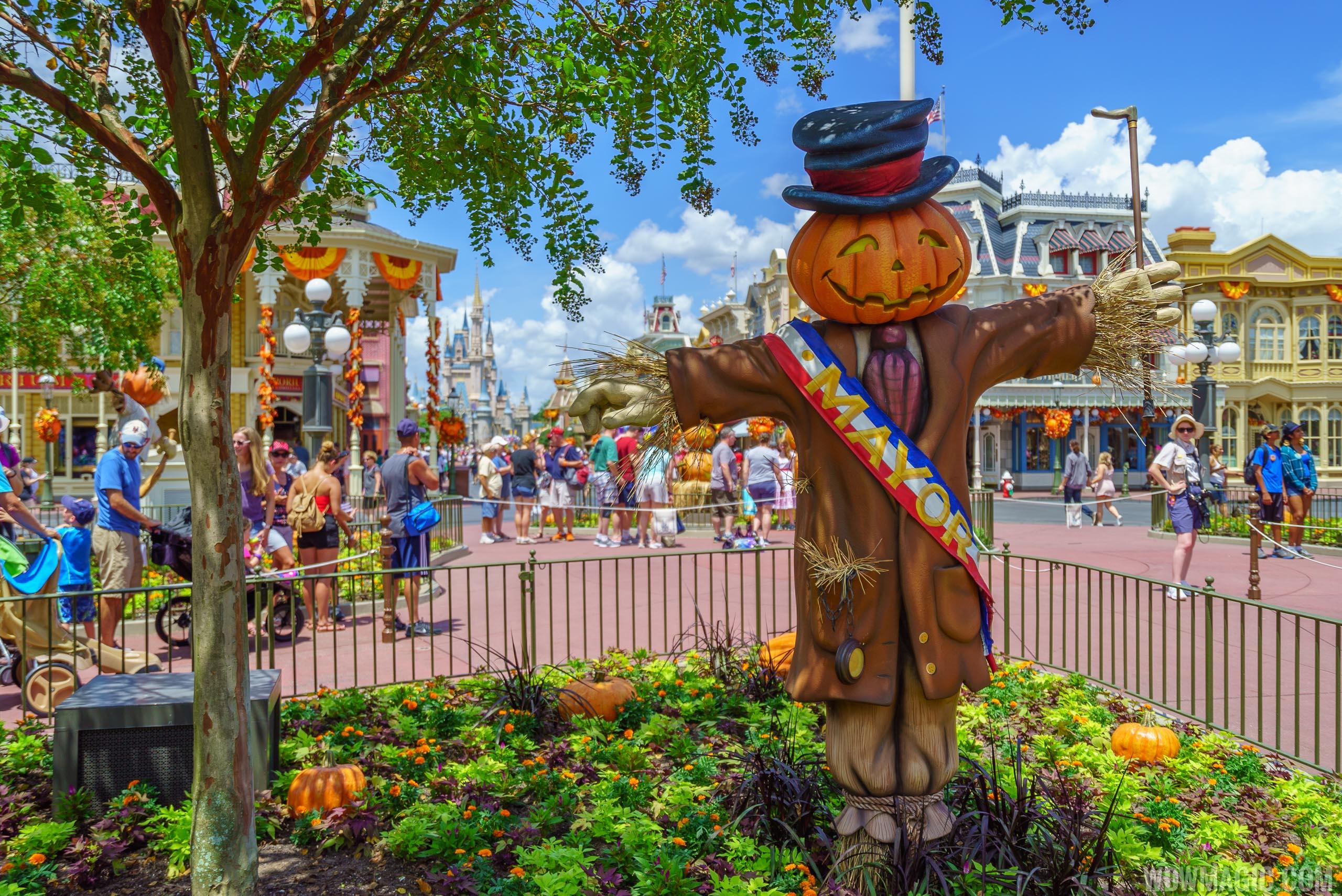 magic kingdoms fall halloween decorations 2018