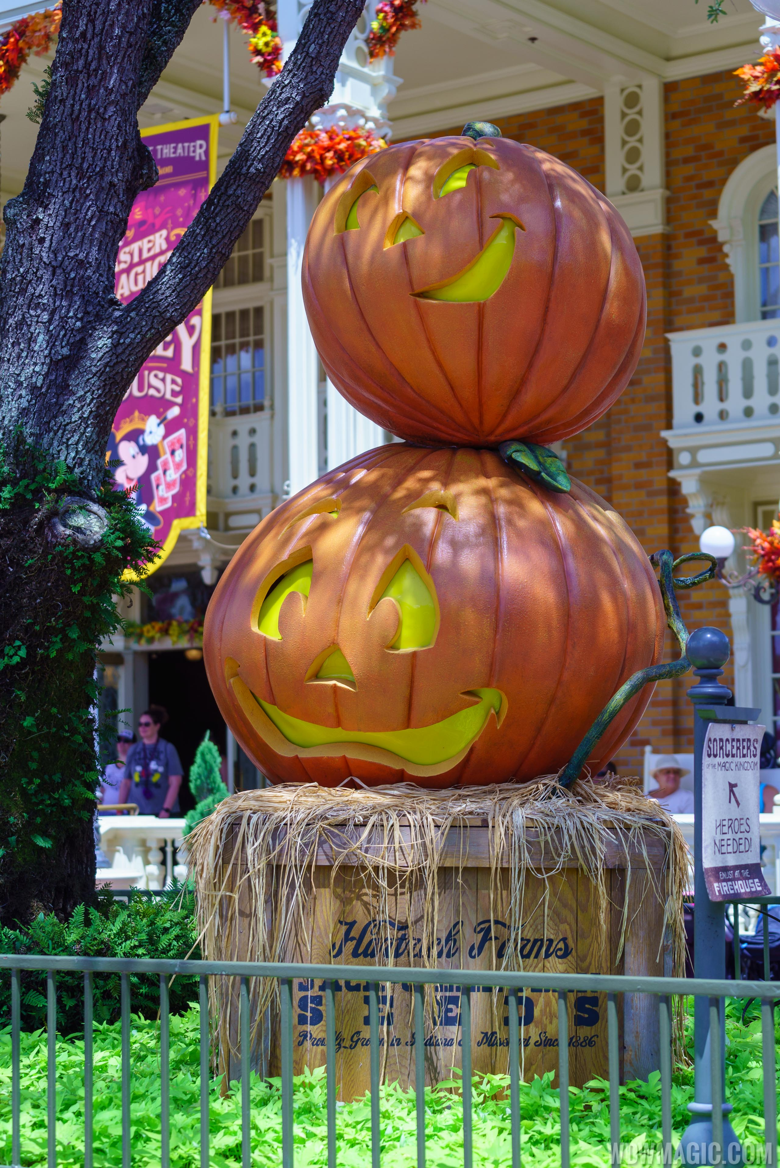 Magic Kingdom's fall Halloween decorations 2018