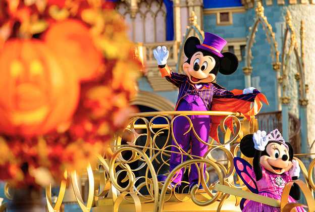 Mickey and Minnie Halloween costumes 2020