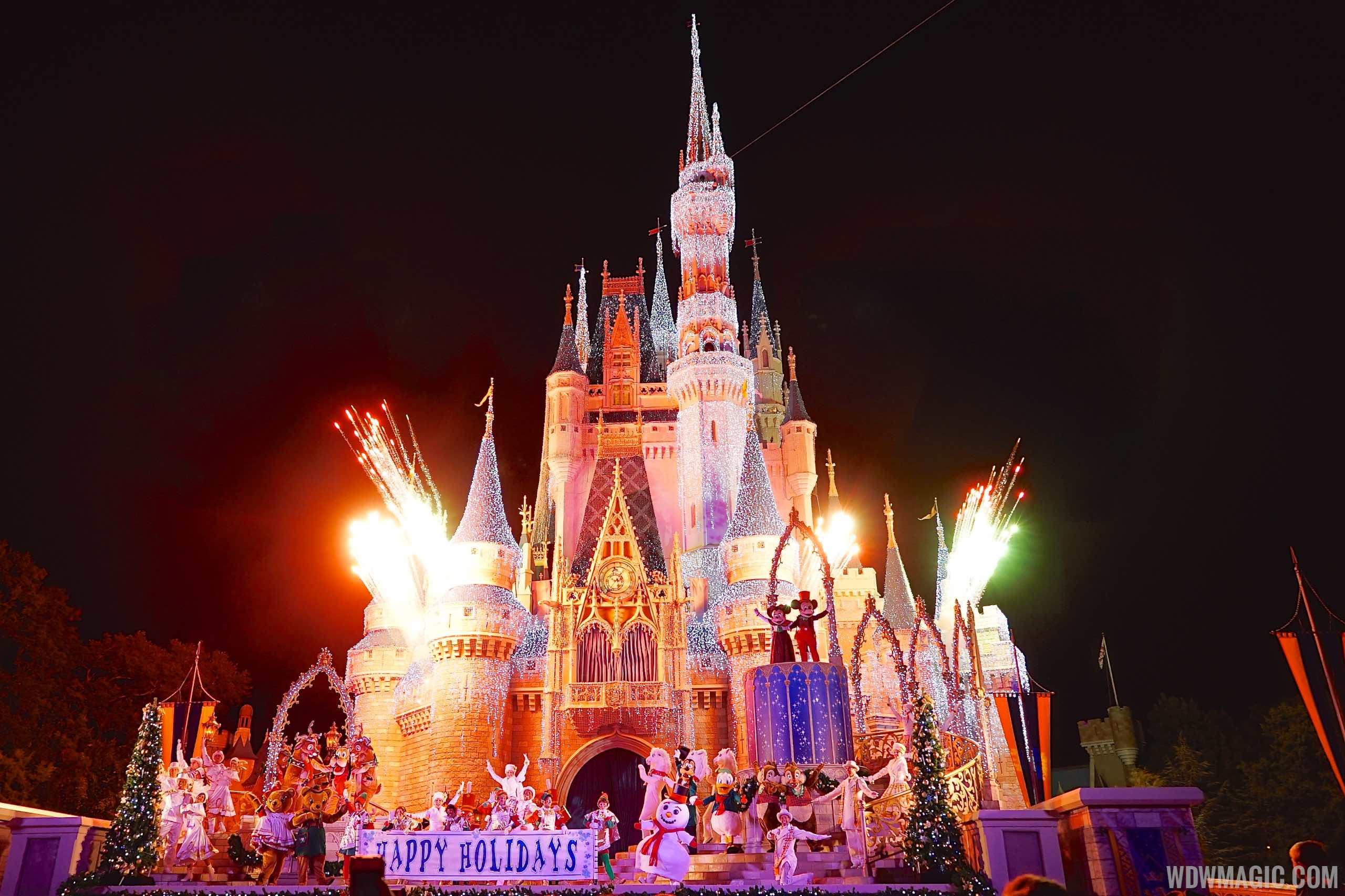 disney world holiday decorations dates