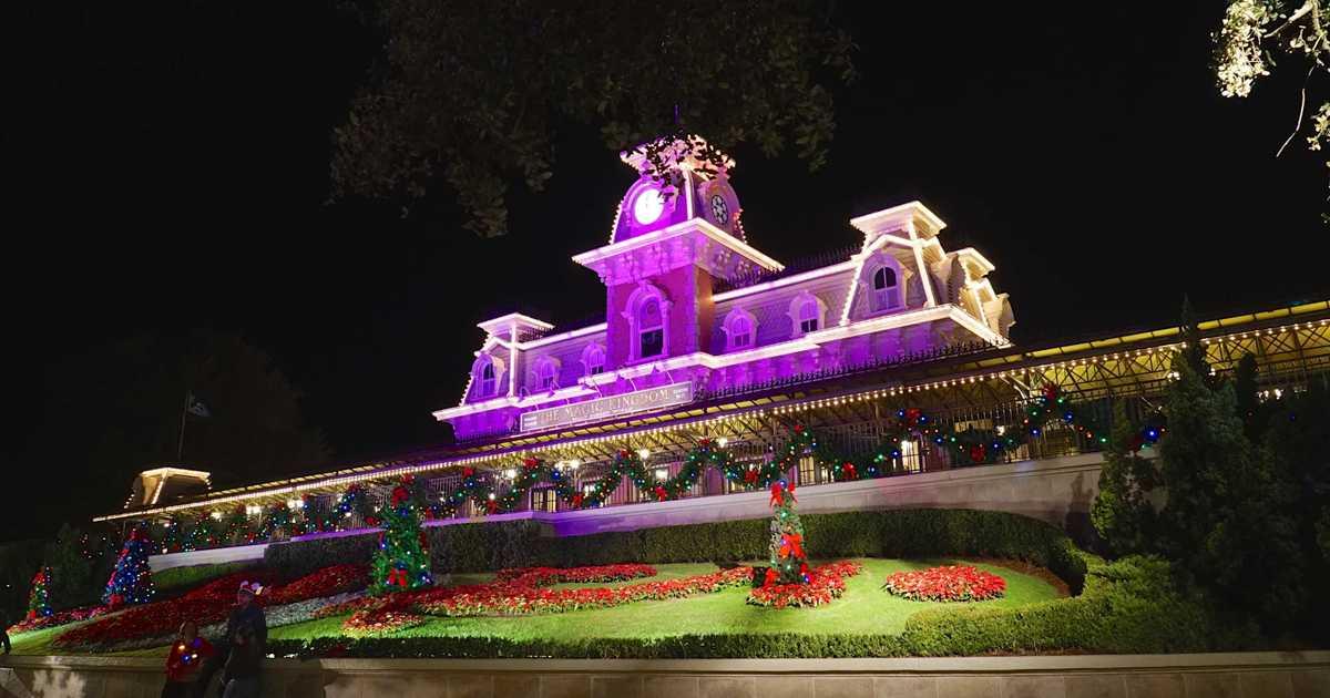 mickeys very merry christmas party photos - Disney Christmas Party 2015