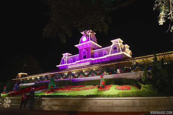 tonights mickeys very merry christmas party sold out 6 hours ago the second magic kingdom - Magic Kingdom Christmas Decorations 2017