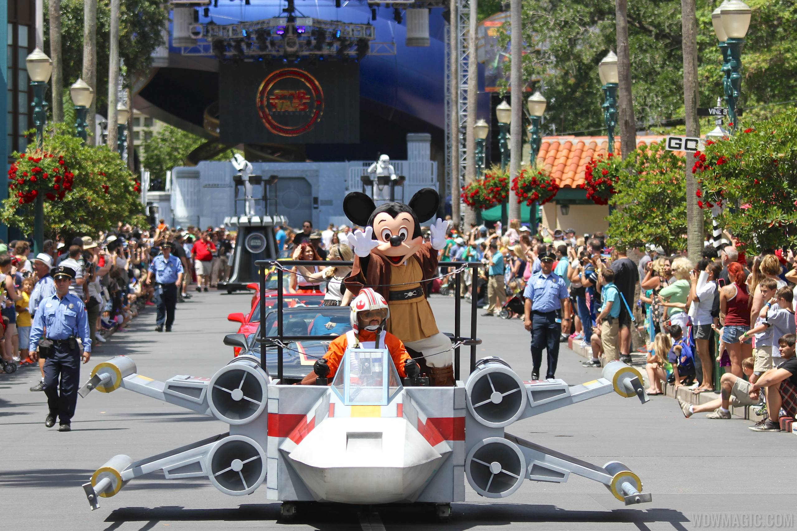 2014 Star Wars Weekends - Weekend 1 Legends of the Force motorcade - Mickey Mouse