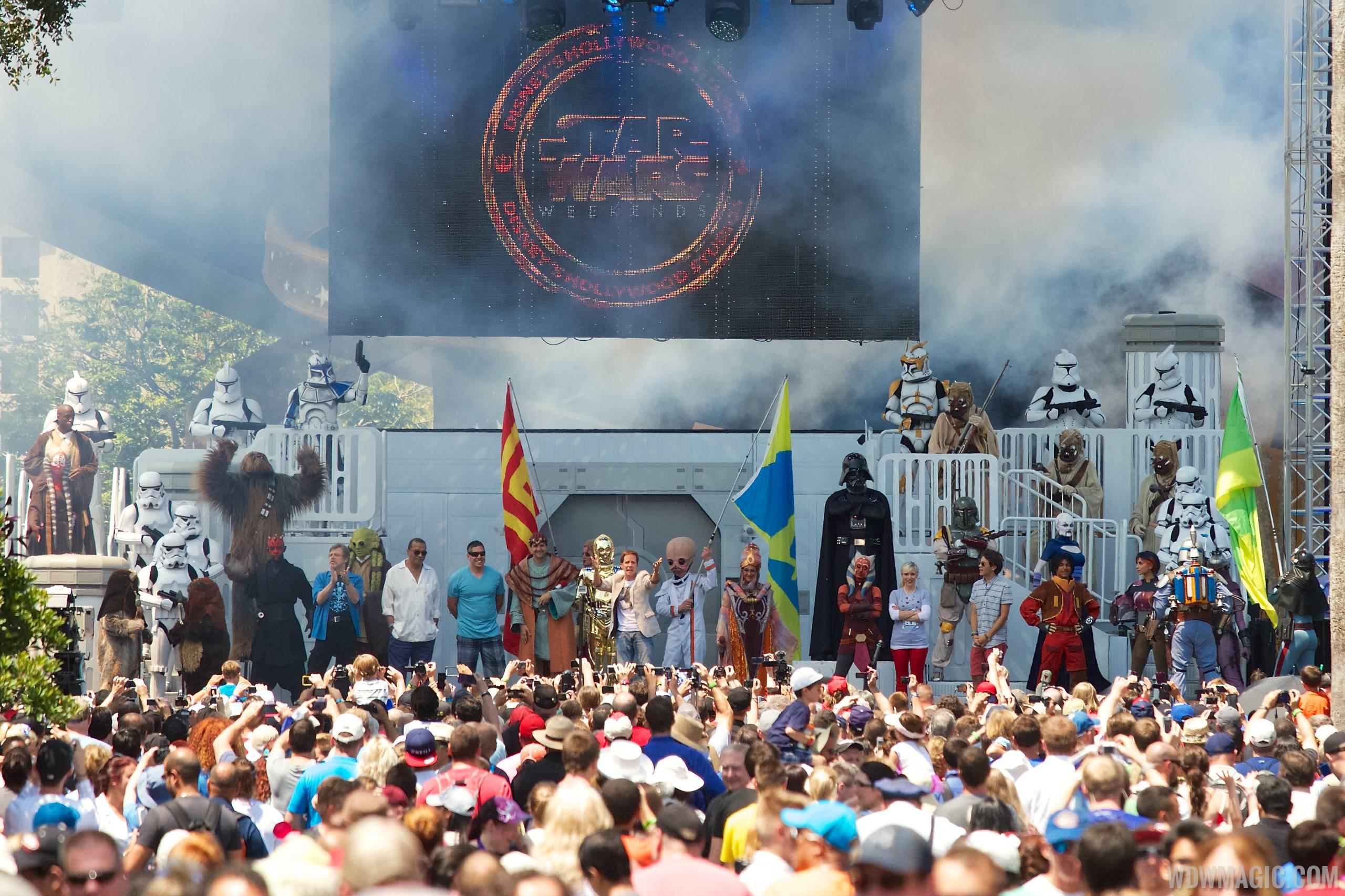 2014 Star Wars Weekends - Weekend 4 Legends of the Force motorcade celebrities - On Stage Welcome