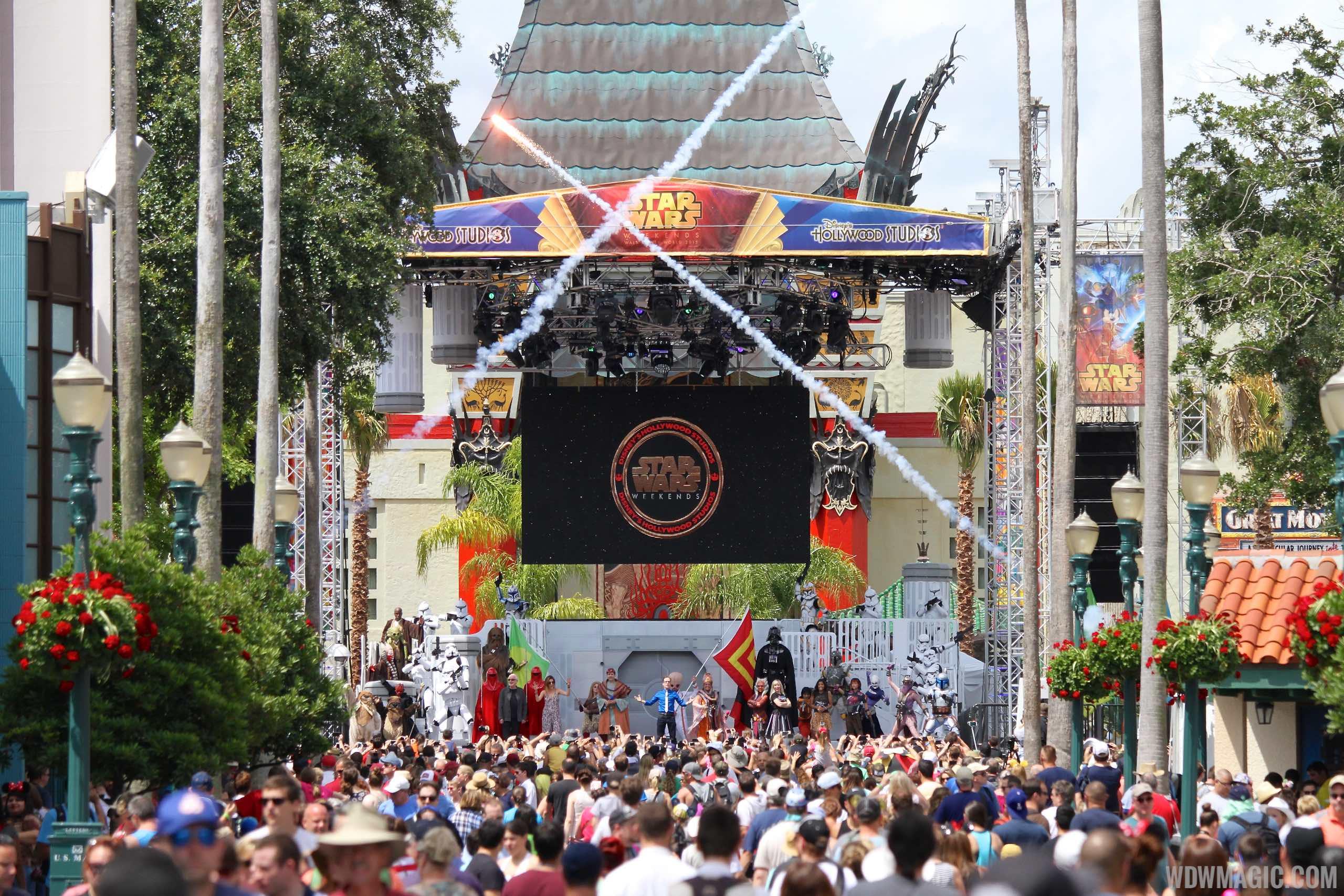 2015 Star Wars Weekends - Weekend 1 Legends of the Force motorcade celebrities - On Stage Welcome