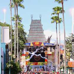 2015 Star Wars Weekends - Weekend 4 Legends of the Force motorcade celebrities