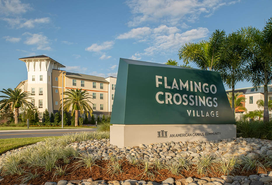 Flamingo Crossings Village apartments