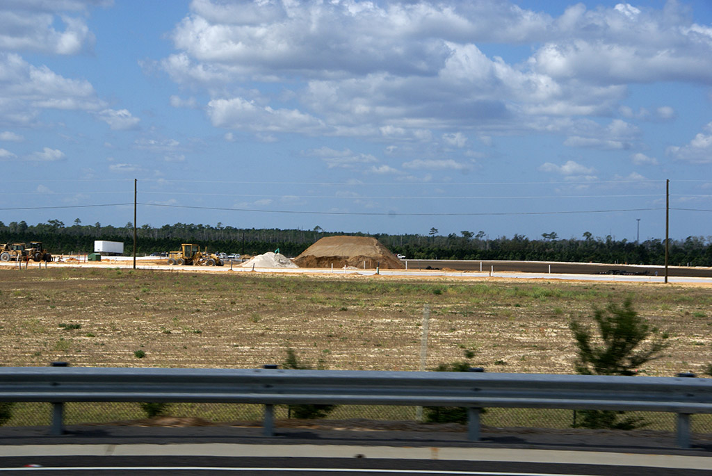 Flamingo Crossings construction