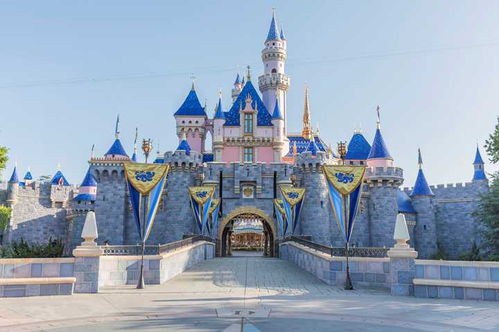 California Governor clears the way for Disneyland Resort in California to reopen as soon as April 1